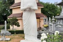 ILe bouddha portant son bol à aumônes
