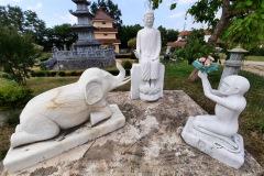 Le bouddha avec les animaux